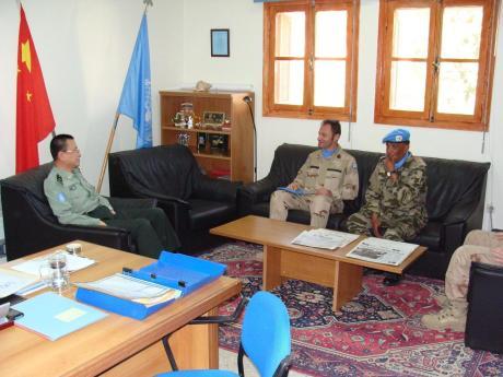 """Απρίλιος 2009, στο γραφείο του στρατηγού, """"... και εσύ είσαι αυτός που συνέλαβαν οι Μαροκινοί"""", """"αυτός είμαι, σύντροφε στρατηγέ..."""""""