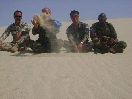 5 Σεπτεμβρίου 2009, στους ίδιους αμμόλοφους, με τον trelo-Slava, τον απίθανο Choe και τον πρώην μαθητή μου Moses